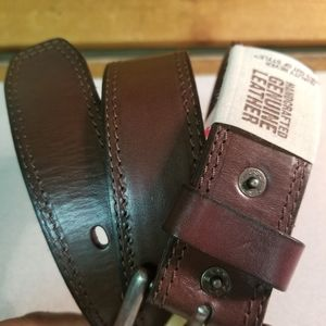 NEW Levi's Genuine Leather Belt